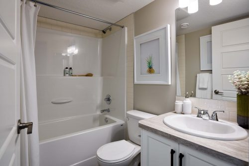 Cranston's Riverstone Brookfield Residential Retreat Riverstone Ivory Ensuite