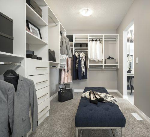 Livingston Charlotte 26 – Photo – Owner's Closet