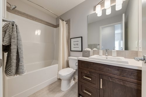 Langley Bathroom In Chinook Gate