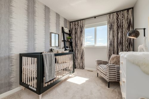 Langley Third Bedroom In Chinook Gate
