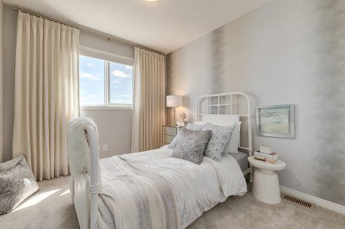 Wembley Third Bedroom In Chinook Gate