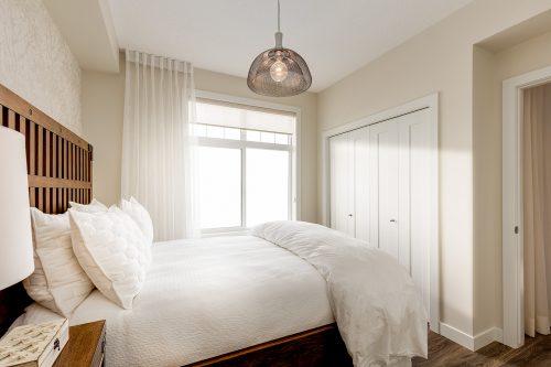 Findlay Master Bedroom In Auburn Bay